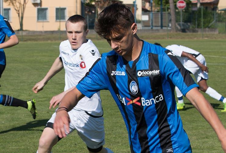 giovane calciatore dell'atalanta vincitore del torneo gallini 2019