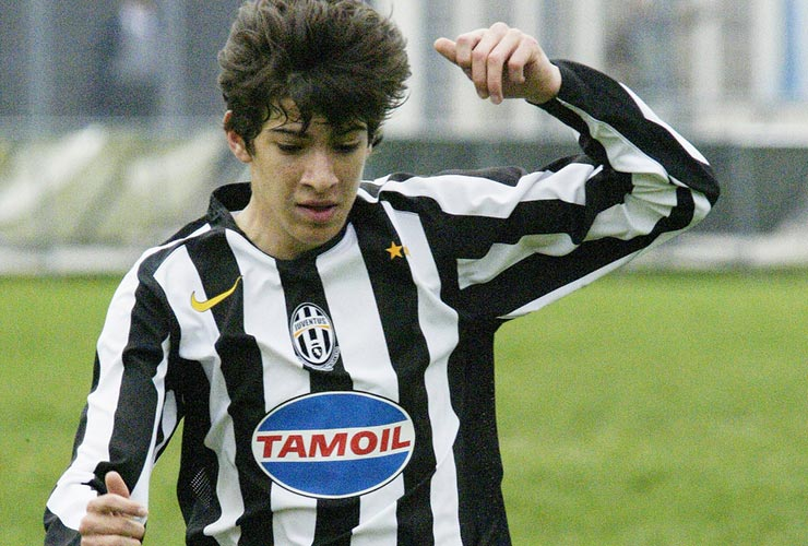 juventus youth player with vintage jersey of tamoil