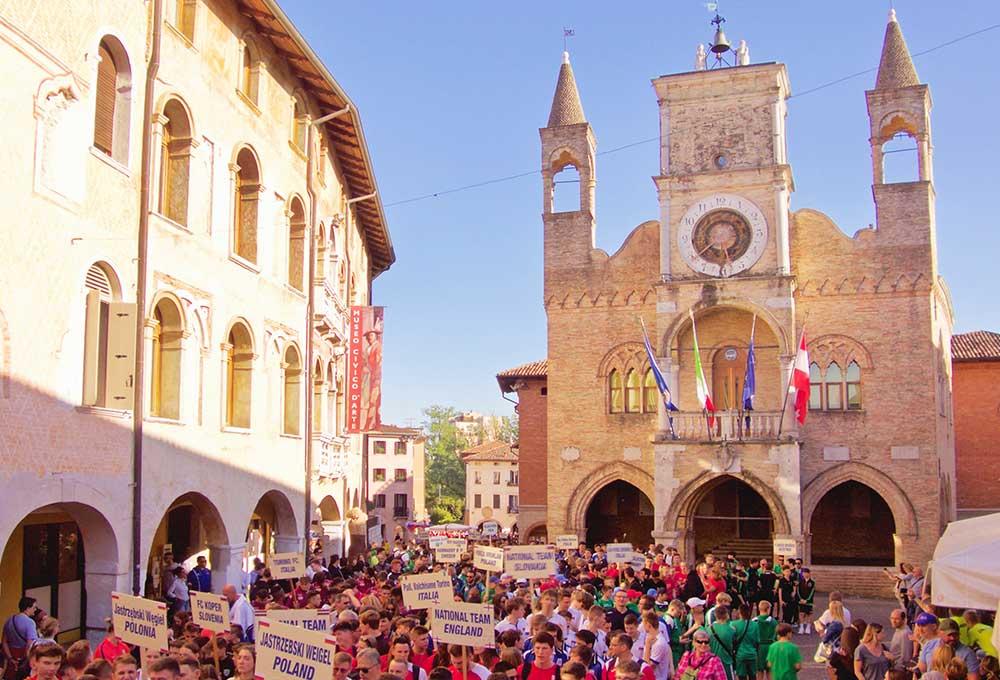pordenone city center with sport parade