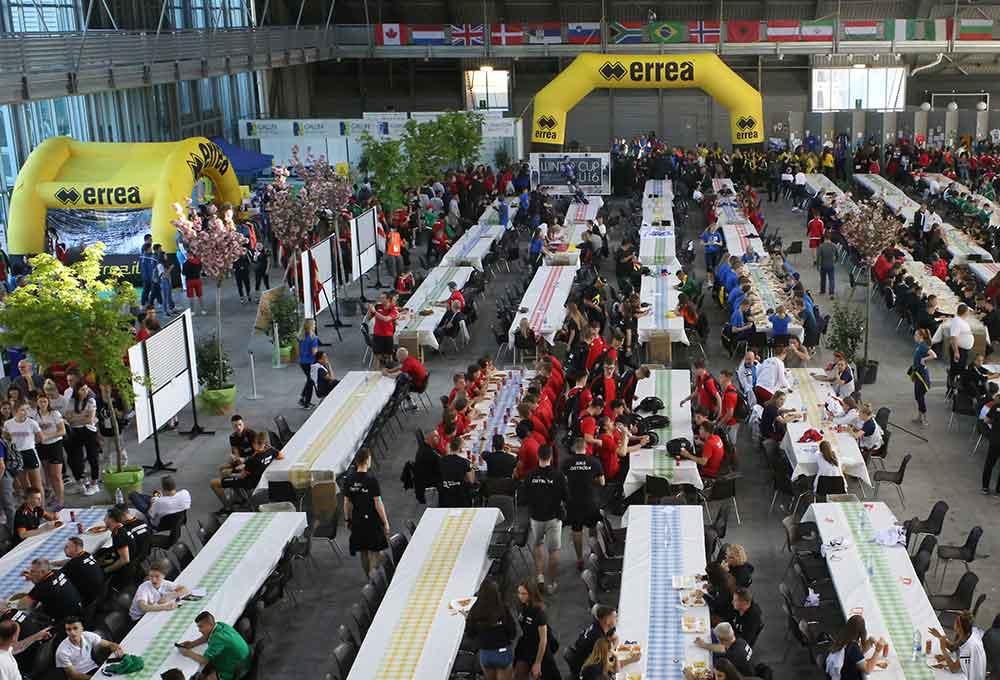 pordenone exhibition center meals